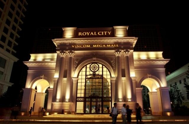 Cổng chào Royal City